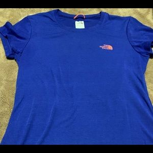 The North Face small top